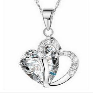 Jewelry - 🔳Mix&Match SALES Beautiful Heart Necklace